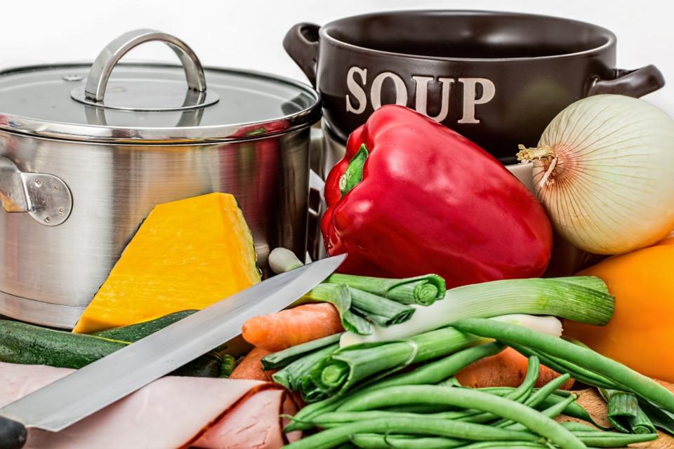 Salzfreie Gemüsebrühe zum gesunden Kochen