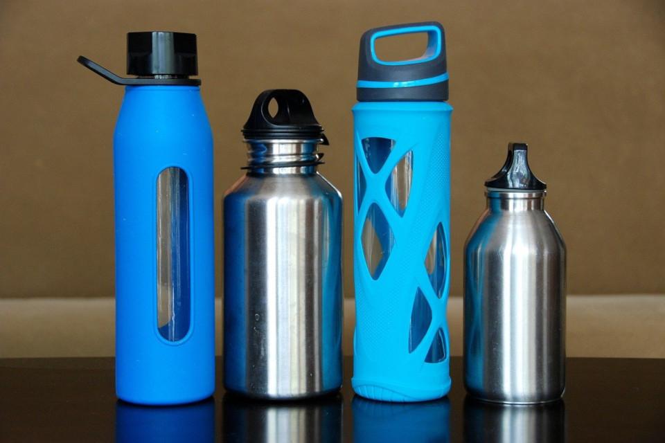 Plastikfreie Trinkflaschen für den alltäglichen Gebrauch