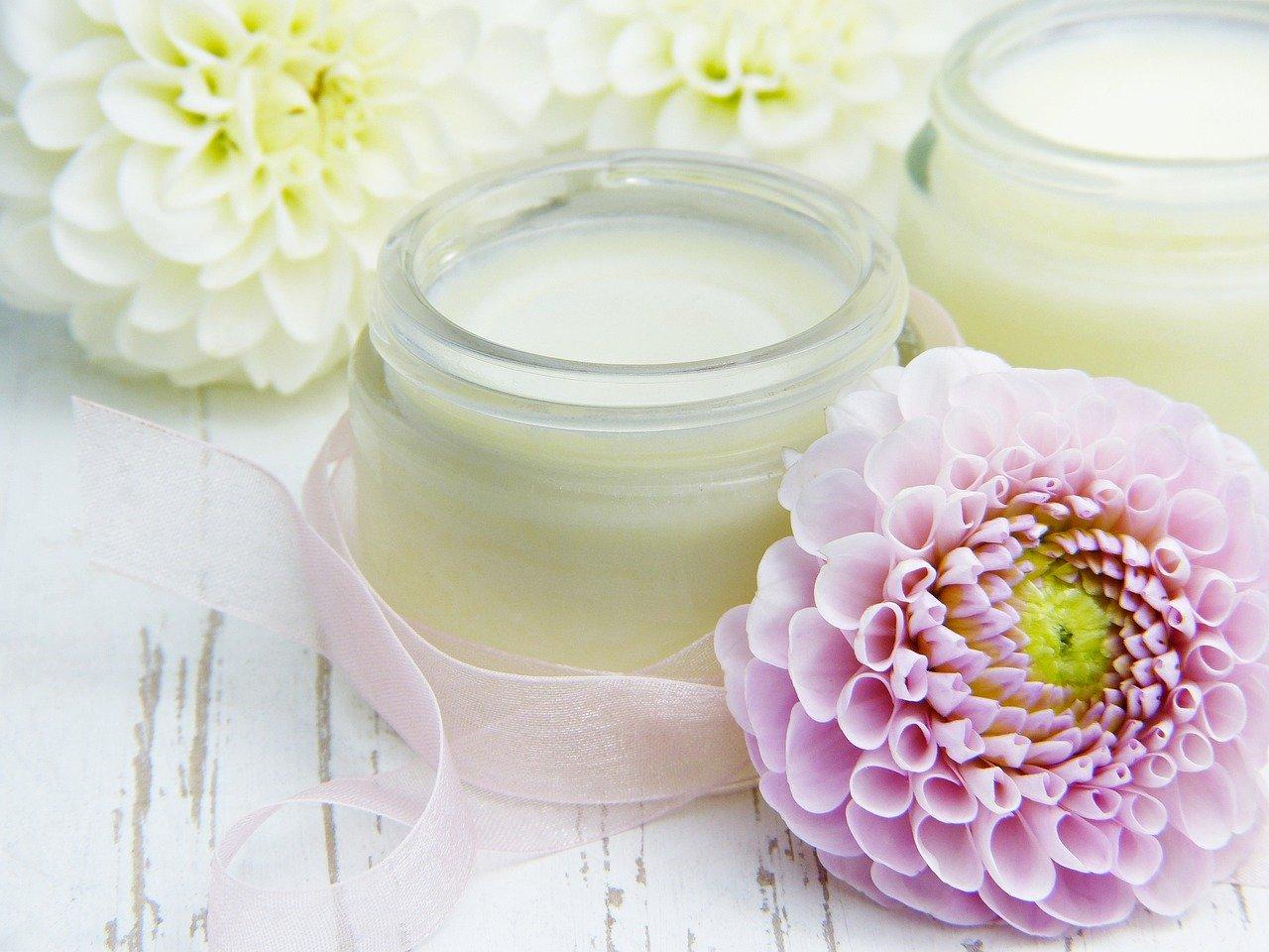 Parfümfreie Gesichtscreme für verjüngte und frische Haut