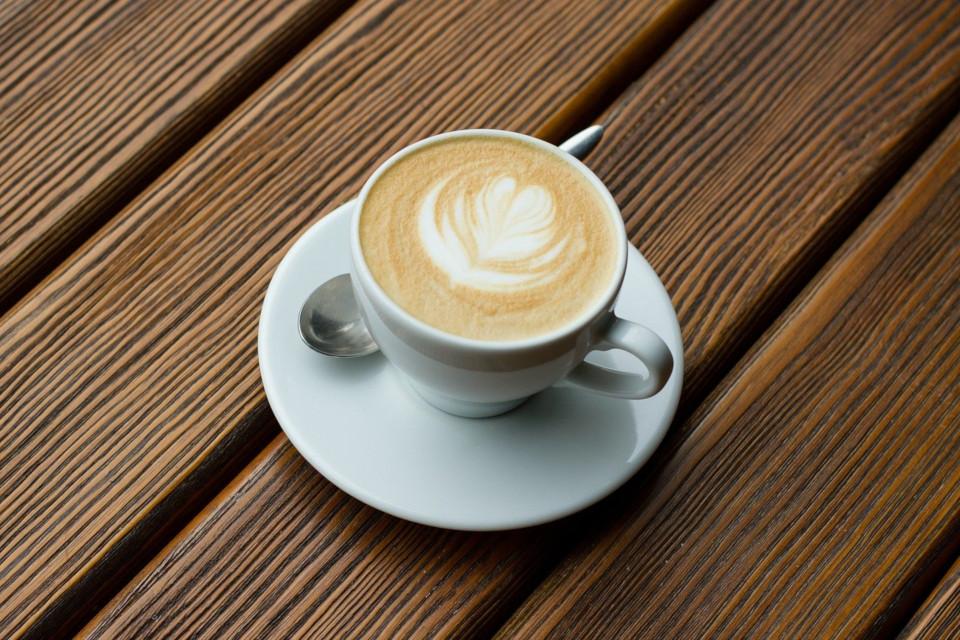 Zuckerfreier Cappuccino für den morgendlichen Genuss