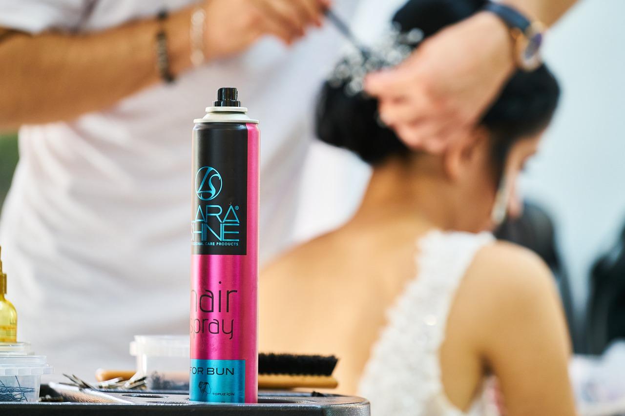 Alkoholfreies Haarspray für den stylischen Look